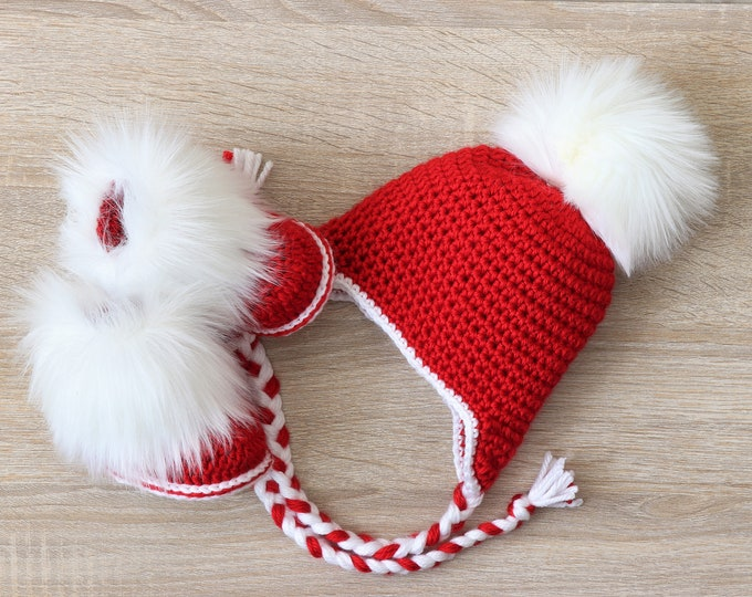 Christmas Hat and Booties - Red and white - Pom pom Hat - Fur Booties - Baby hat and Booties- Newborn winter clothes - Red booties - Red hat
