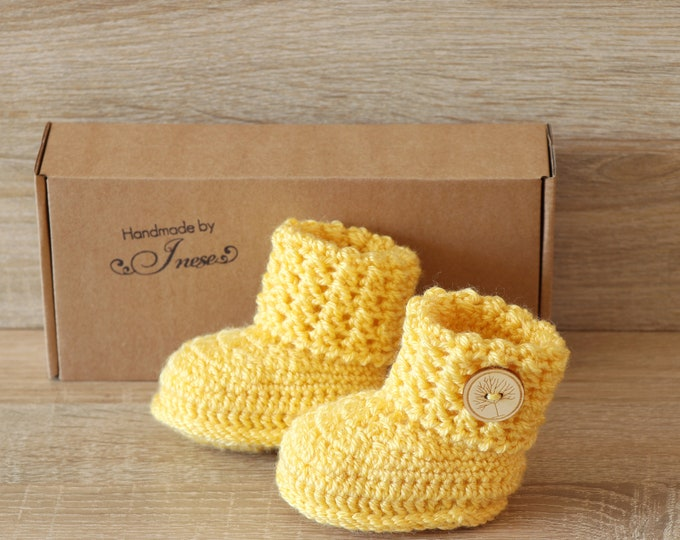 Yellow Baby booties - Crochet baby booties - Baby shoes - Gender neutral booties - Baby ankle boots - Newborn shoes - Baby shower gift
