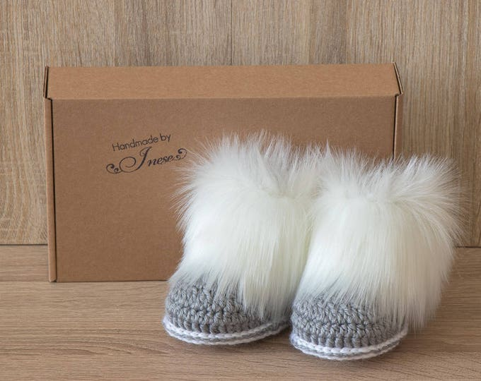 Gray and white booties - Faux Fur Booties - Baby boy boots - Baby winter - Crochet Booties - Newborn shoes - Preemie boots -  Baby boy gift