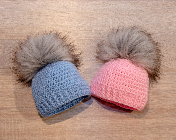 Boy and girl fur pom pom hat - Twins Baby pom Hats - Twin Coming Home Hats - Blue and pink - Newborn Twin - Gift for twins - Preemie twins