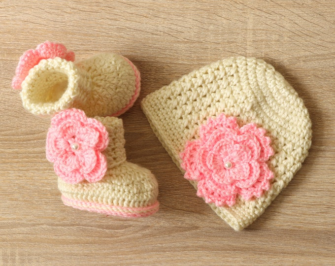 Baby Girl Flower Hat and Booties set - Newborn Girl - Preemie girl clothes- Crochet booties and hat - Baby Girl gift - Baby girl clothes