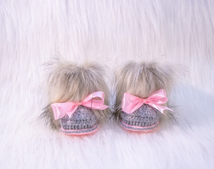 Crochet Faux Fur Baby Booties, Infant booties with bows, Baby girl gift, Pink and gray Newborn girl shoes, Uggs, Furry Baby boots, baby gift