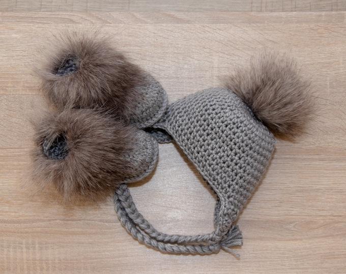 Gray baby fur Booties and pom pom Hat, Crochet Baby Hat and Booties, Neutral Baby winter clothes, Newborn boy winter clothes, Preemie baby