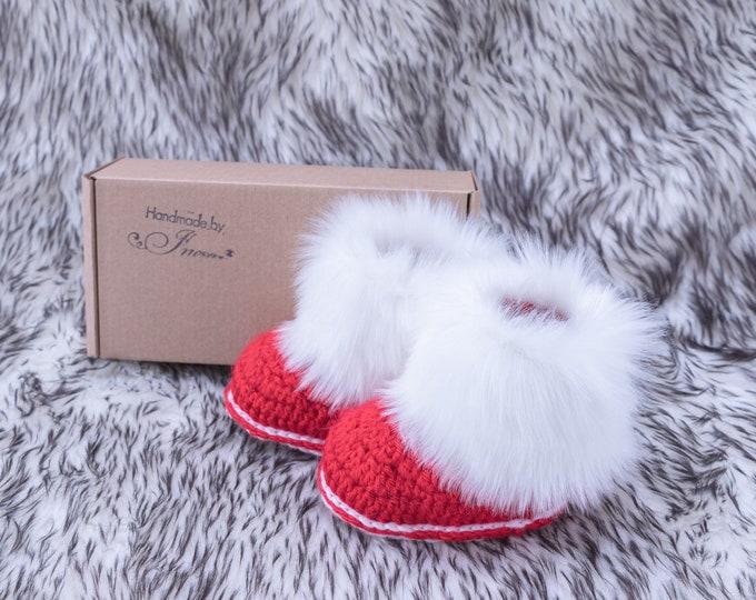 Baby Christmas booties, Fur Boots, Crochet baby booties, Baby winter boots, Newborn Shoes, Preemie shoes, Faux fur boots, Baby crib shoes