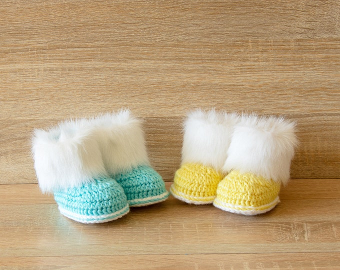 Booties for twins - Crochet baby booties- Newborn boots- Twin gift- Preemie twins boots- Twin Shoes- Faux Fur booties- Gender reveal booties