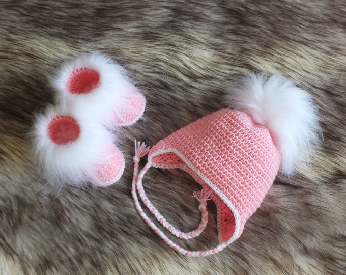 Pink baby girl Booties and Hat with faux fur - Crochet Baby Girl Hat and Booties Set - Baby girl winter clothes