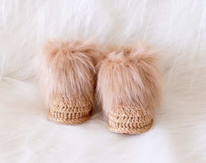 Gender Neutral baby booties, Faux fur baby booties, Crochet booties, Baby Uggs, Newborn shoes, Baby winter boots, Baby gift, Gold booties