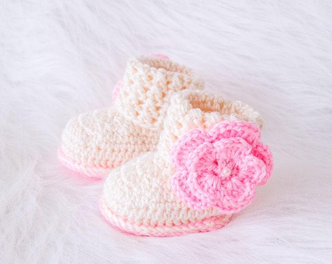 Baby girl booties, Flower booties, Baby girl shoes, Baby girl gift, Newborn girl shoes, Preemie girl shoes, Crochet baby booties, Baby shoes