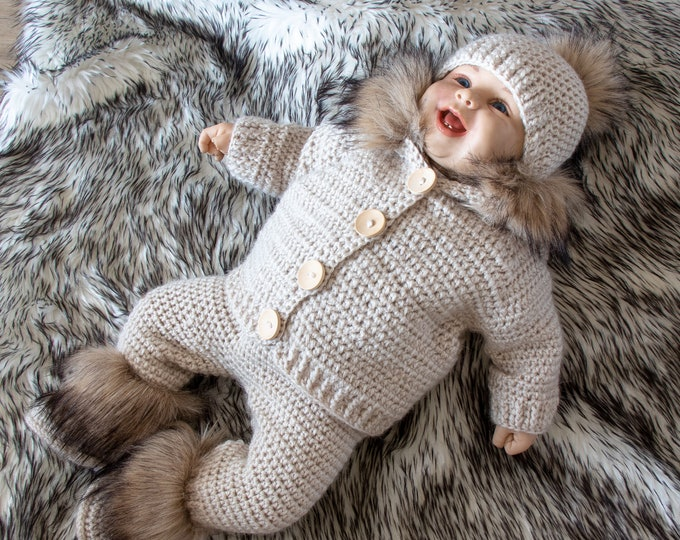 Gender neutral sweater with fur, sweater, pants and booties - Baby boy outfit - Newborn take home outfit - Crochet baby Set- Beige baby set