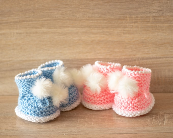 Ready to ship - Twin Booties - Fur Pom pom booties - Boy and Girl - Gender reveal - Blue and pink - Knitted baby Booties - Twin Baby Gift