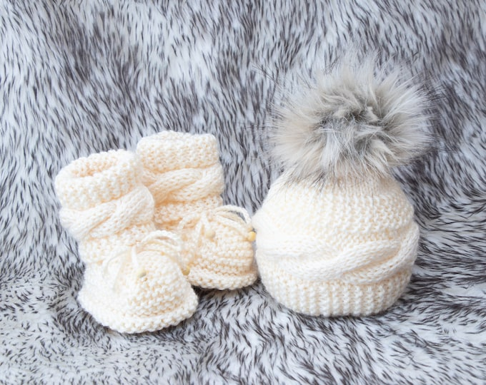 Hand knitted Baby Hat and Booties set, Baby winter clothes, Cable Knit Gender neutral baby clothes, Baby knitwear, Baby gift, Baby outfit