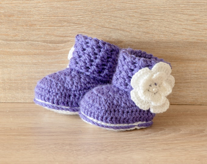 Purple baby booties, Baby girl booties, Flower Baby Booties,  Baby girl gift, Newborn girl shoes, Crochet baby booties, Preemie girl boots