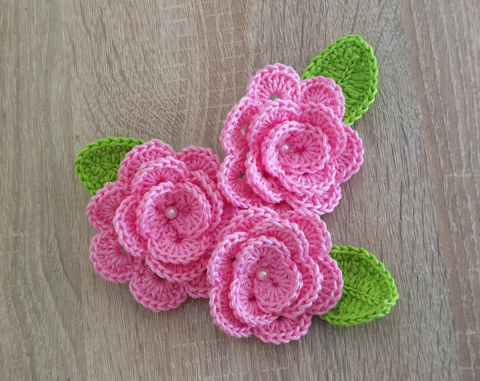 Crochet Rosettes and leaves - Rose flowers - Flower appliques - Pink roses - Crochet flowers - Sewing Embellishments - Set of 3 Flowers