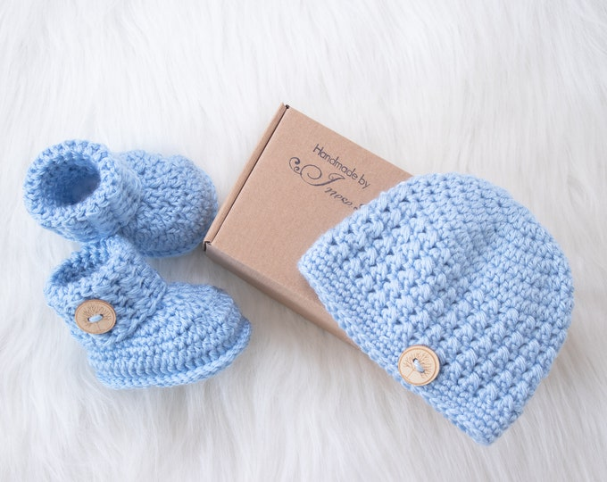Baby boy hat and booties set, Blue booties and beanie, Crochet baby beanie and booties, Baby Boy outfit set, Newborn boy set, Baby boy gift