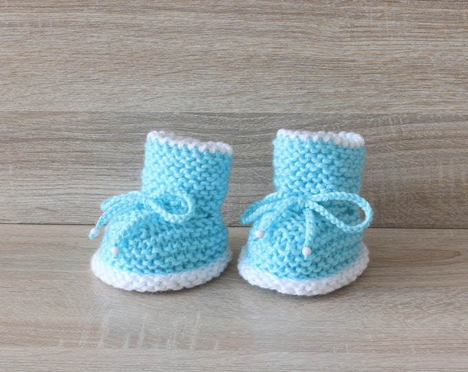 Turquoise baby boots - Knitted Baby booties - Baby boy boots - Baby boy gift - Newborn boy booties - Preemie booties - Stay-on booties