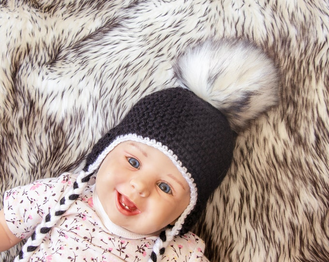 Black and white baby hat - Black hat - Baby pom hat - Crochet fur Hat - Baby Earflap hat - Newborn hat - Fur pom pom - Gender neutral beanie