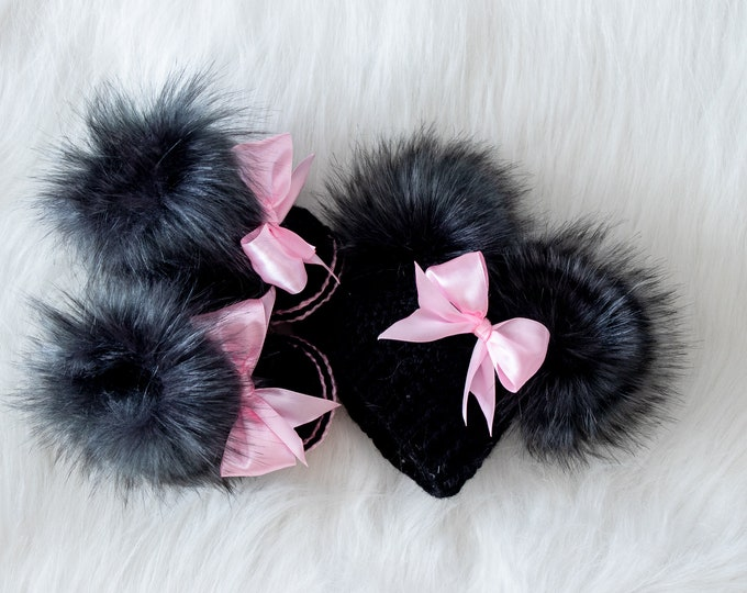 Black and pink baby girl hat and booties, Minnie Mouse Inspired, Newborn Girl gift, Disney baby girl outfit, Preemie girl gift, Pom pom hat