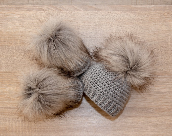 Hat and booties - Baby Boots and hat - Crochet Baby Set - Gray baby set - Gender Neutral baby clothes- Unisex baby- Fur pom hat- Fur booties