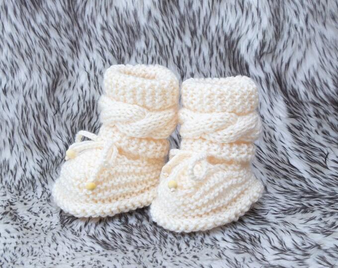 Hand knitted baby booties, Preemie booties, Newborn booties, Cable Knit baby booties, Unisex booties, Gender neutral Booties, Infant booties