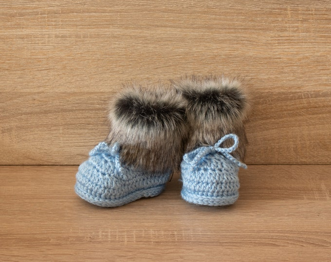 Baby boy boots - Boy booties - Baby boy booties - Faux Fur Booties - Baby winter Boots - Newborn Boots - Crochet Baby Boots - Preemie shoes