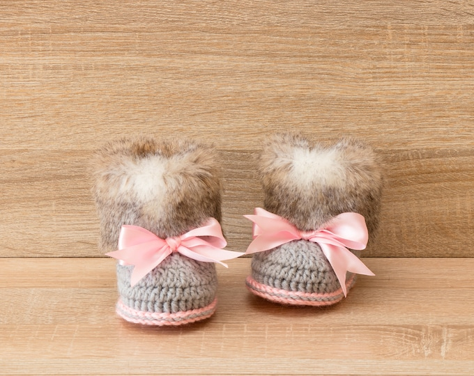 Fur Baby girl booties - Crochet booties - Baby girl gift - Faux Fur Booties - Newborn shoes - Pink and gray - Ugg style - Baby shower gift