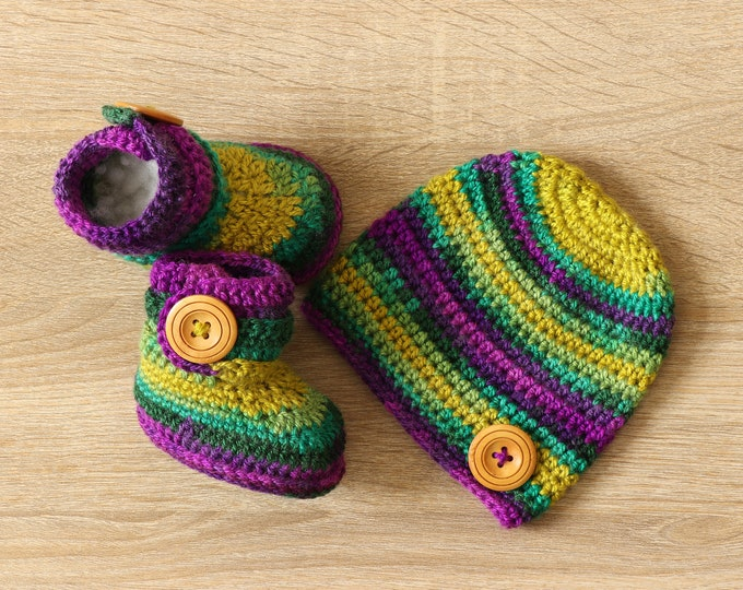 Ready to ship - Baby booties and hat set - Colorful baby clothes- Boy or girl- Baby booties- Baby hat- Crochet Baby clothes- gender neutral