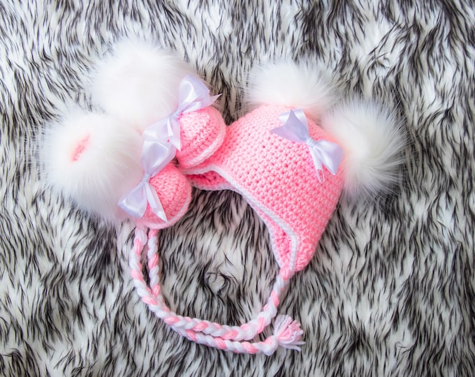 Pink Baby girl booties and double pompom hat, Newborn girl clothes, Crochet baby girl clothes winter, Baby girl gift, Preemie girl clothes