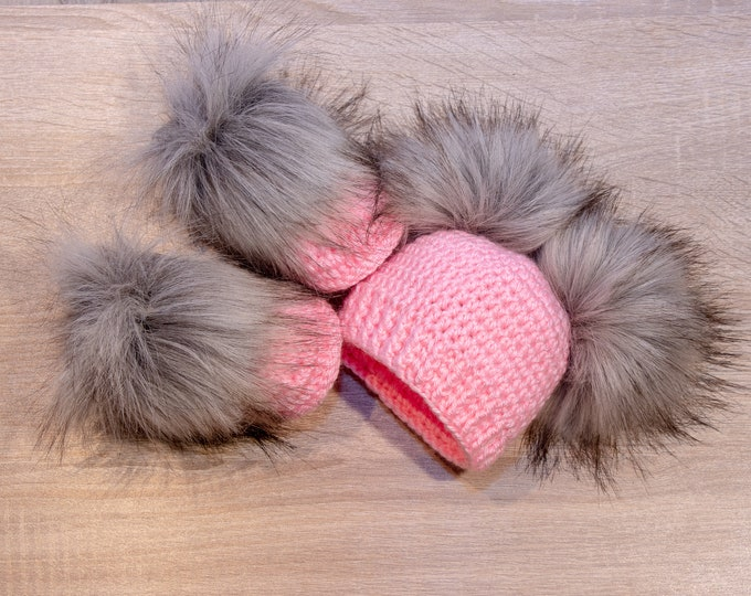 Pink and gray Booties and hat set - Fur double pom hat and booties - Baby girl clothes - Crochet set - Newborn winter clothes - Fur booties