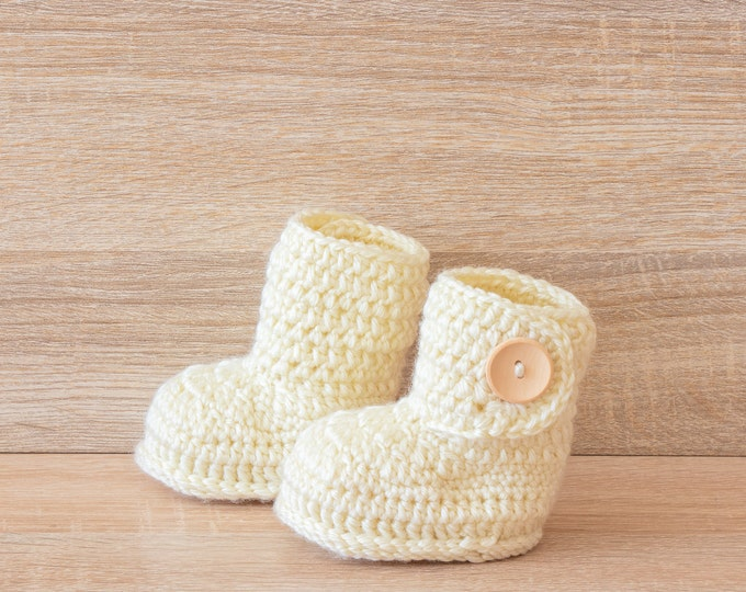 Baby booties - Infant booties - Beige booties - Crochet baby booties - Baby ankle boots - Baby boots- Gender neutral booties- Infant booties