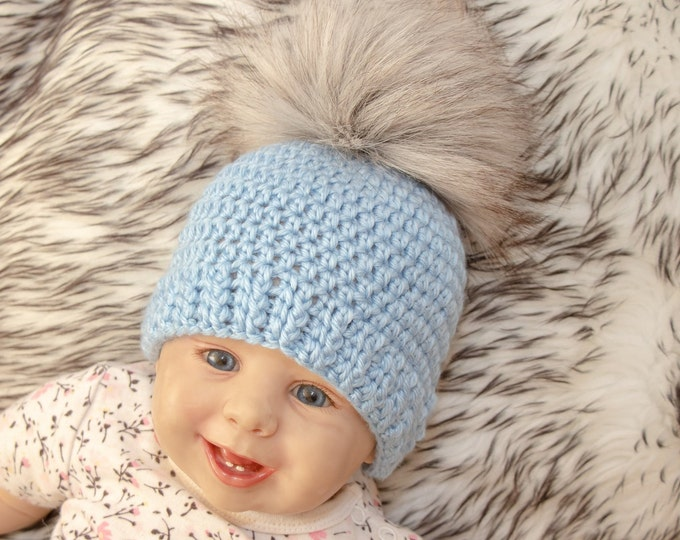 Crochet baby beanie with fur pom pom - Baby boy hat - Crochet baby hat - Newborn hat - Fur pom pom hat - Baby winter hat - Preemie boy hat