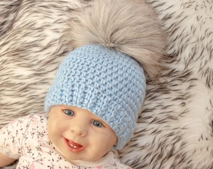 Crochet baby beanie with fur pom pom - Baby boy hat - Crochet baby hat - Newborn hat - Fur pom pom hat - Baby winter hat - Preemie boy hat