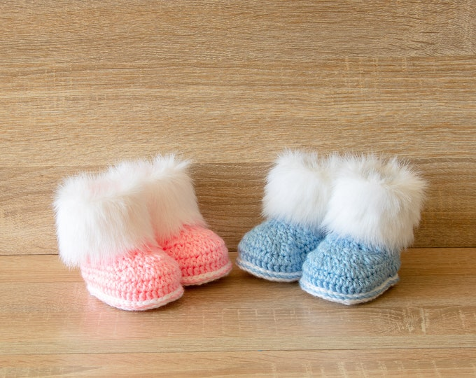 Gender reveal booties - Twin baby shoes- Faux fur booties - Boy and Girl twin boots- Booties for twins- Twin baby shower gift- Pink and blue