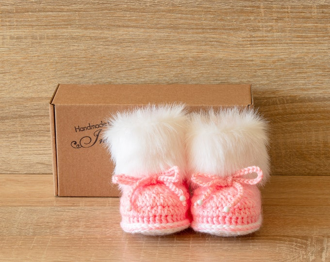 Pink booties - Preemie booties - Faux fur booties - Baby girl booties - Baby gift - Newborn girl shoes - Baby winter Boots - Crochet Booties