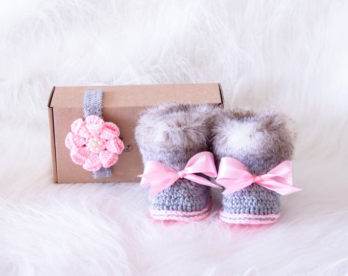 Baby booties and headband set, Baby girl gift, Newborn girl shoes, Crochet baby set, Baby girl Photo prop, Baby shower gift, Pink and gray