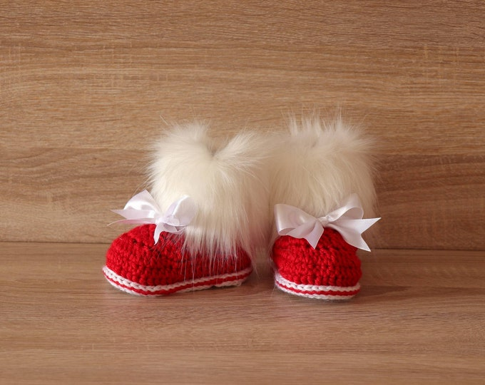 Red Baby girl booties with bows - Christmas booties - Crochet Baby boots - Fur Booties - Winter booties - Newborn  shoes - Red and white