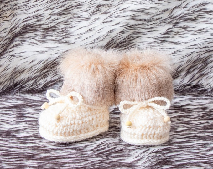 Baby booties, Gender neutral Baby Shoes, Crochet Booties, Preemie shoes, Newborn shoes, Baby winter Boots, Baby slippers, Newborn Socks