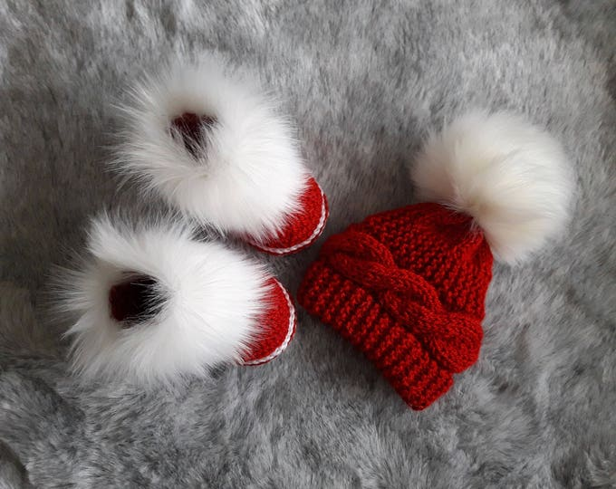 Christmas hat and booties set - Red and white - Hand knitted hat - Fur booties - Cable Knit Hat - Crochet Booties - Christmas photo prop