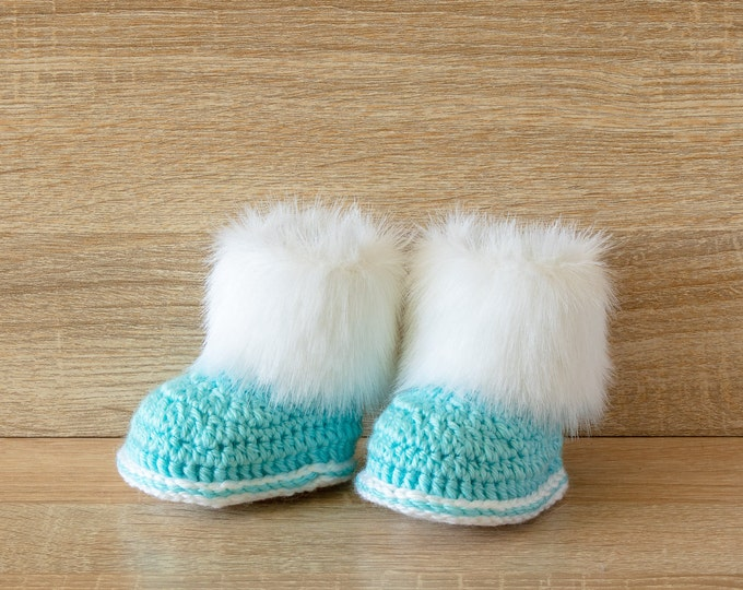 Turquoise blue Baby booties - Preemie boy booties- Fur Baby Boots- Crochet boots- Infant Booties- Baby shower gift- Newborn shoes- Baby boy