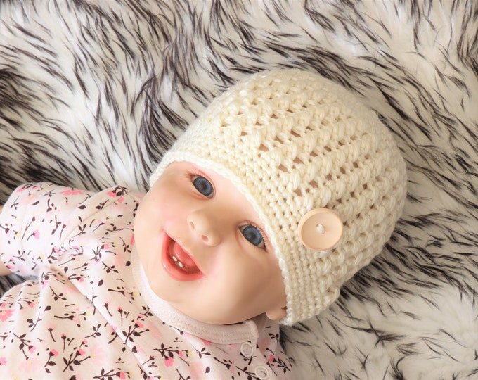 Beige baby beanie, Baby winter hat, Gender neutral baby clothes, Newborn hat, Baby hat, Crochet baby hat, Baby boy hat, Preemie hat