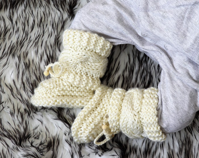 Hand knitted baby booties - Baby boots - Cream boots- Knitted baby booties - Boy or girl booties - Hand Knit Booties - Infant booties