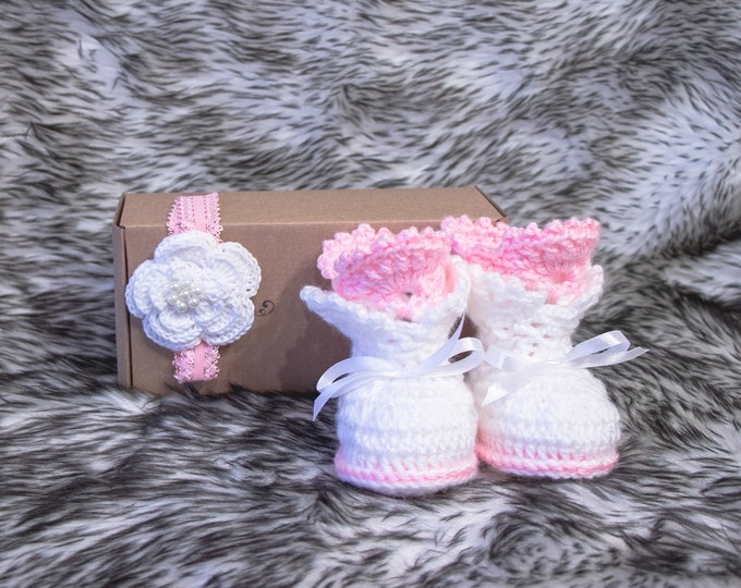White and pink baby girl booties headband set, Baby headband, Newborn girl booties, Infant girl shoes, Baby shower gift, Crochet Lace boots