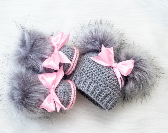 Gray and pink Baby girl double pom pom hat and bootie set, Newborn Girl gift, Baby girl winter clothes, Preemie girl clothes, Fur booties