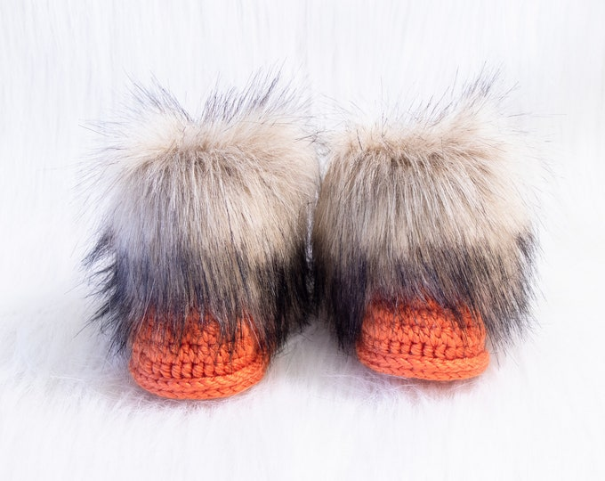 Orange Baby Booties - Fur booties - Crochet booties - Halloween booties - Gender neutral boots - Newborn shoes - UGG style - Preemie booties
