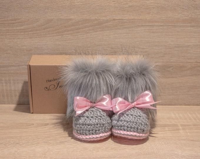 Gray and pink booties - Fur booties - Newborn girl Booties - Preemie girl - infant boots - Baby girl gift - Baby girl shoes- Baby girl boots