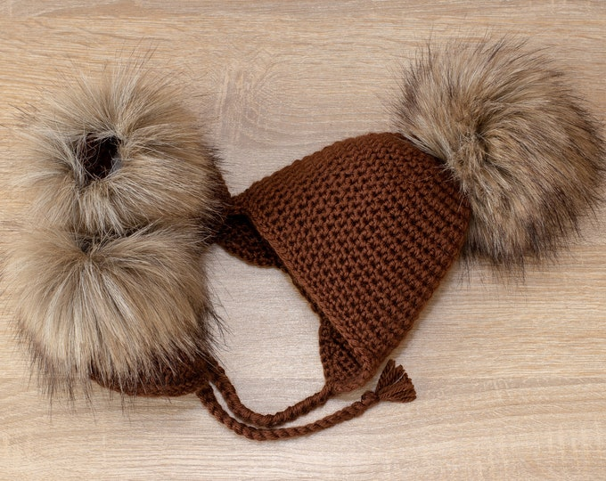 Brown Baby faux fur pom pom hat and booties - Crochet baby clothes- Baby winter clothes - Pom pom hat - Faux Fur booties - Gender neutral