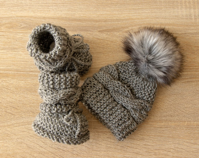 Gray Baby Booties and hat - Cable Knit Hat and Booties set - Gender neutral Hat and Boots - Baby hand knitted clothes - Baby winter clothes