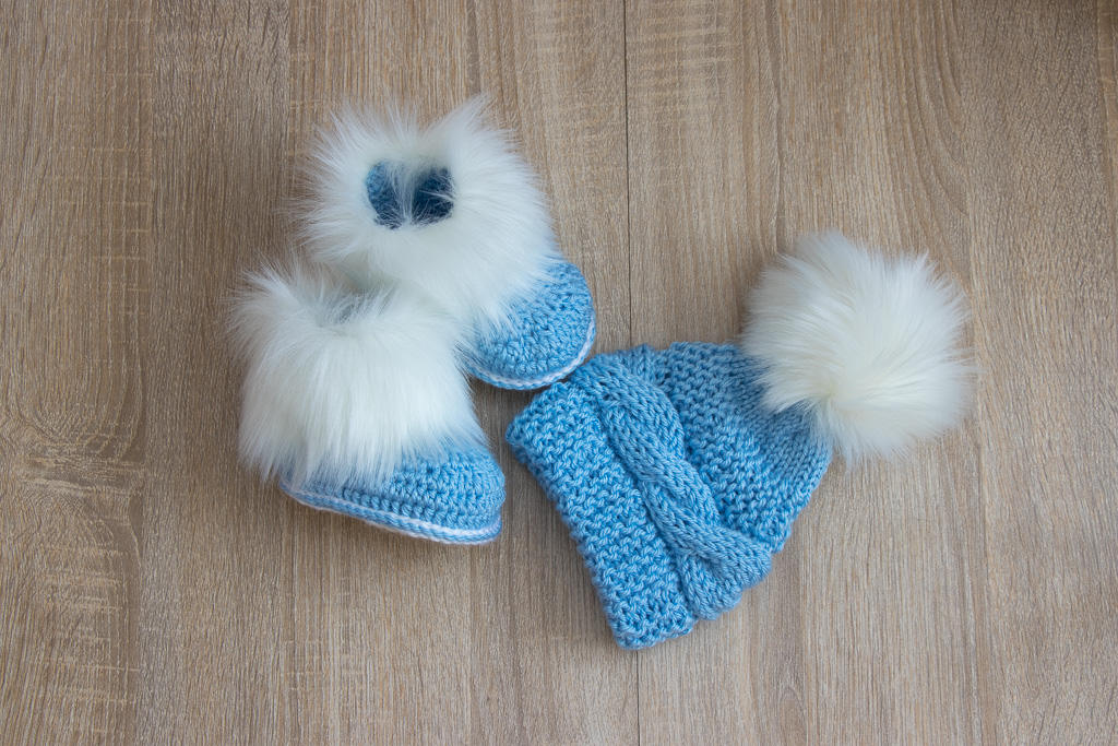 f928ae049eb Blue and white Faux fur pom pom hat and booties - Baby boy clothes ...