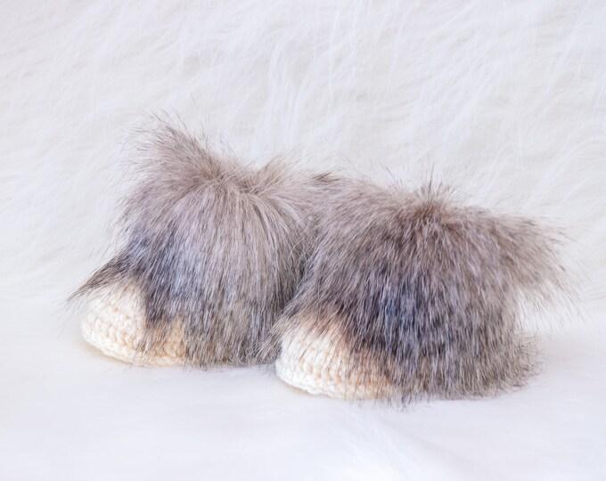 Fur Winter Booties, Newborn booties, Crochet baby booties, Baby Ugg Boots, Beige Infant booties, Neutral baby boots, Preemie winter boots