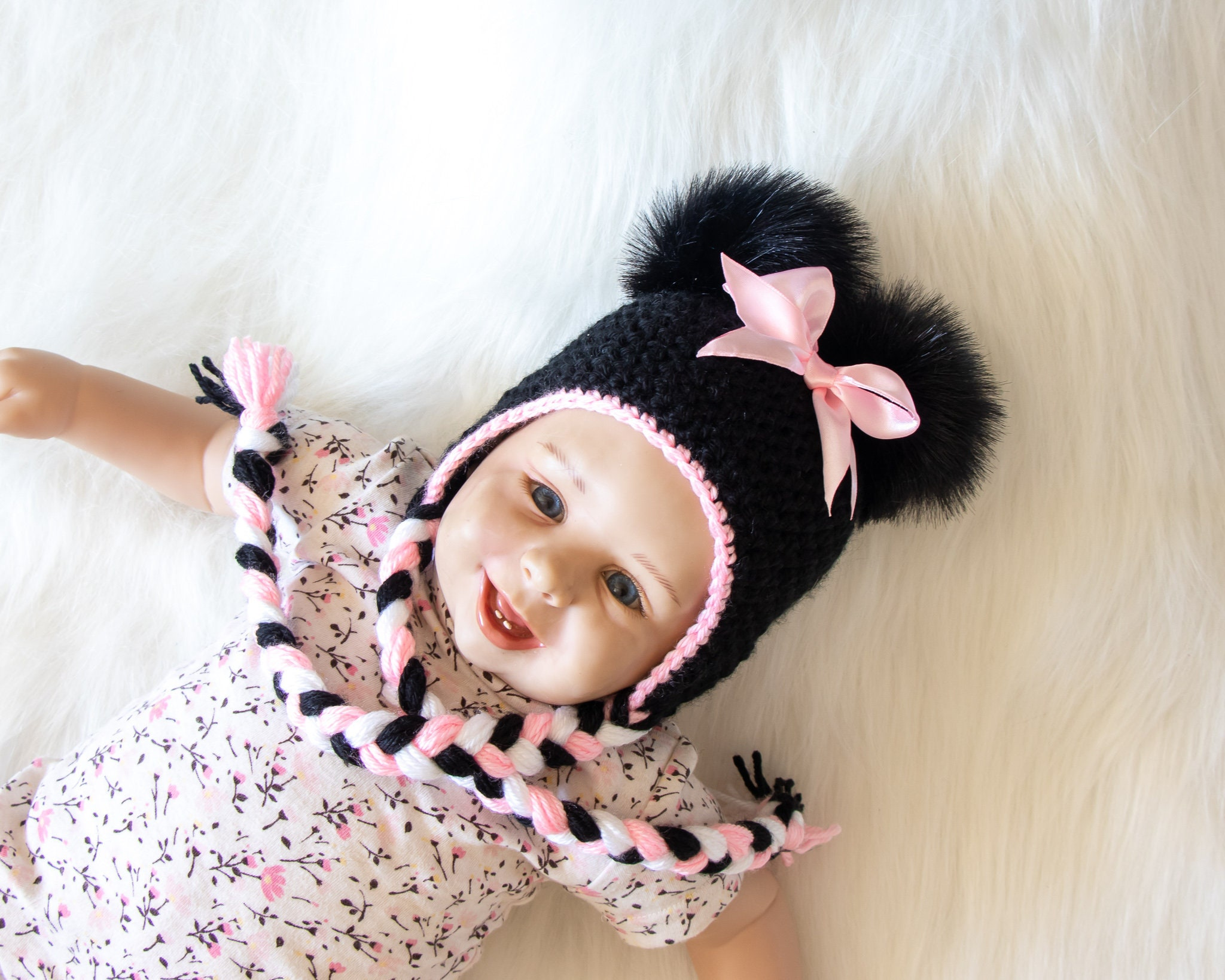 68b190913 Minnie Mouse hat, Baby girl hat, Disney Mouse hat, Black and pink ...