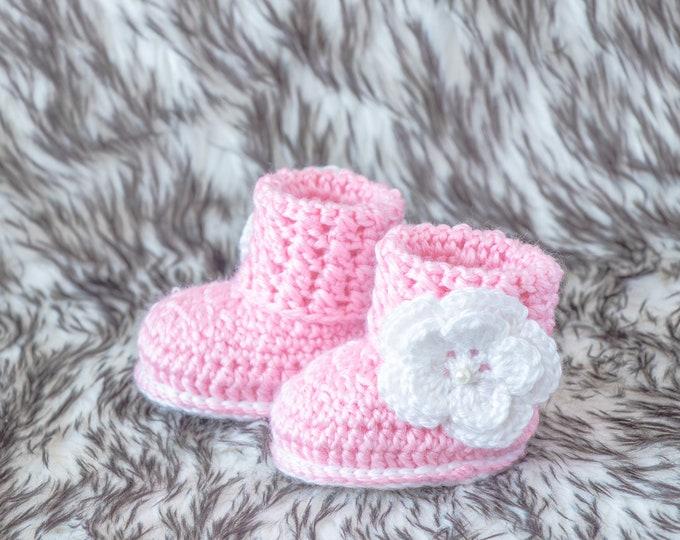 Pink baby flower booties, Baby girl booties, Flower shoes, Baby girl gift, Newborn girl boots, Crochet flower booties, Preemie girl booties